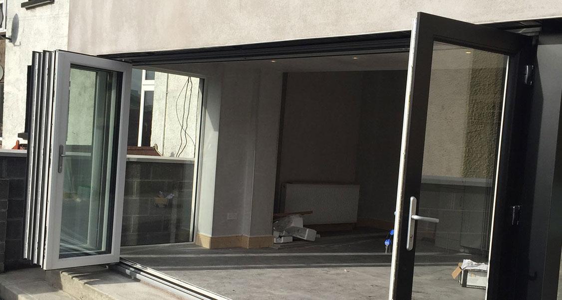 Bi-Folding Doors - 2020-Glazing